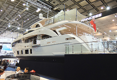Superyachts in Hall 6