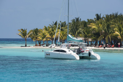 Belize: Sailing Solitude