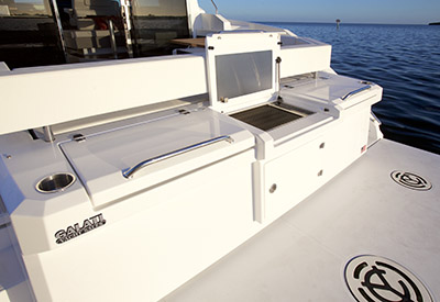 Cruisers Yachts Cantius 40 - Transom