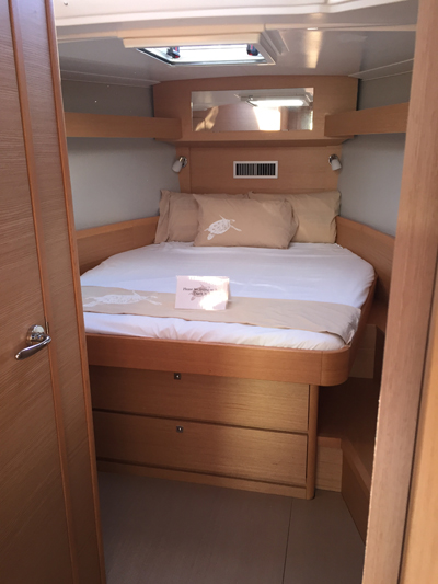 Dufour 430 Owner Cabin