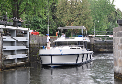 Galley Guys Cruise the Rideau Canal with Le Boat
