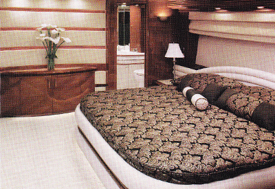 Carver 65 Marquis - Master Stateroom