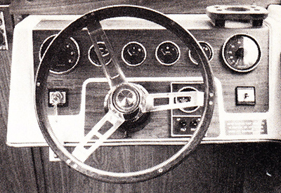 Chrysler CV 223 - The helm controls.