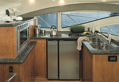 Cruisers Yachts 447 Sedan - Galley
