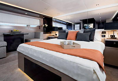 Cruisers Cantius 60 - Master Stateroom
