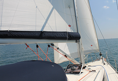 Delphia 31 under sail