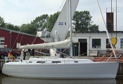 Hanse 342 - at the dock