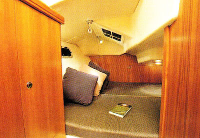 Hunter 33 - Guest Berth