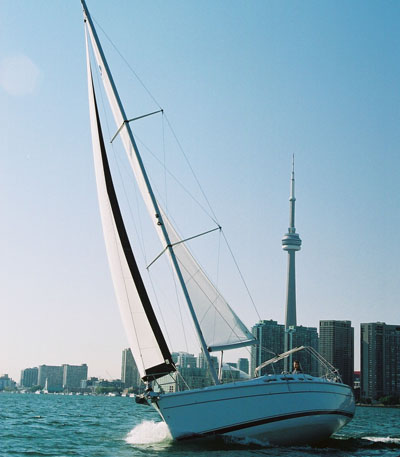 Hunter 41 - Sailing Lake Ontario