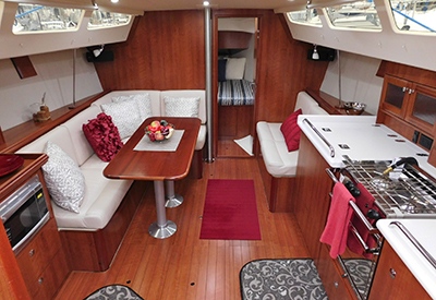 Marlow-Hunter 31 - Main Cabin